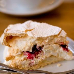 Meringue Cake at Kubek w Kubek