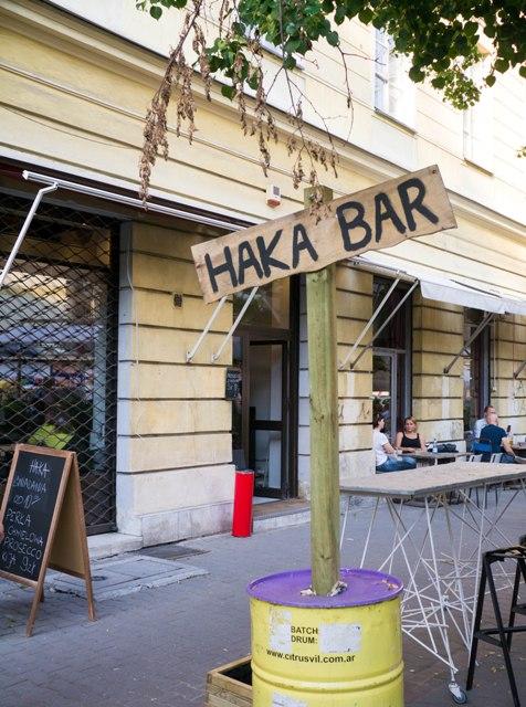 HAKA Bar Znak
