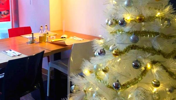 pasta-fresca-restaurant-interior-christmas