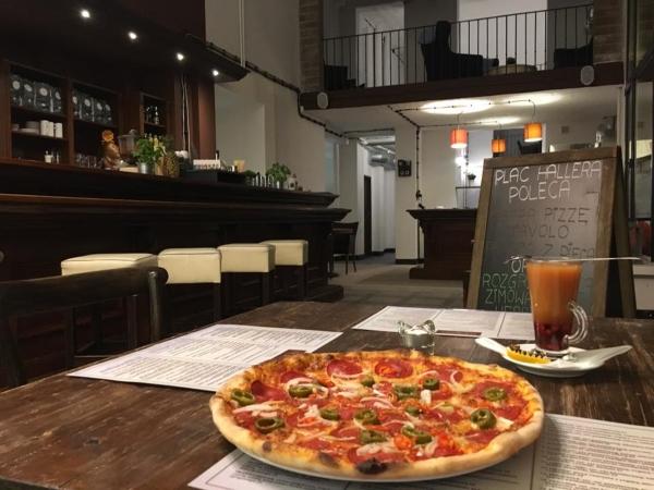 restauracja plac Hallera