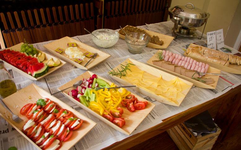 Wrzenie Świata bufet śniadaniowy