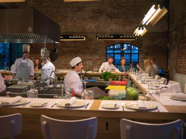5 Miejsc Z Otwarta Kuchnia